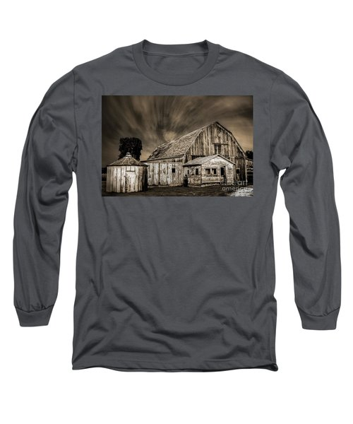 Barn On Hwy 66 Long Sleeve T-Shirt