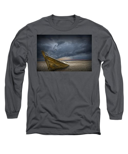 Boat With Gulls On The Beach With Oncoming Storm Long Sleeve T-Shirt