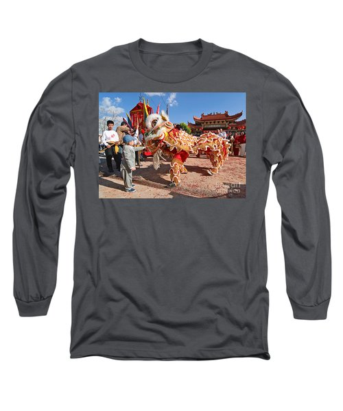 Boy Giving A Red Envelope Gift To A Lion Dancer. Chinese Lion Da Long Sleeve T-Shirt