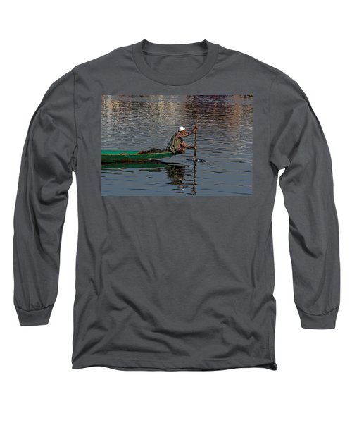 Cartoon - Man Plying A Wooden Boat On The Dal Lake Long Sleeve T-Shirt