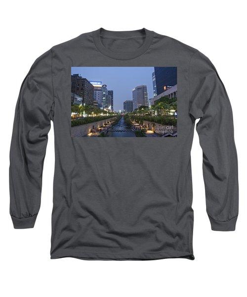 Cheonggyecheon Stream In Seoul South Korea Long Sleeve T-Shirt