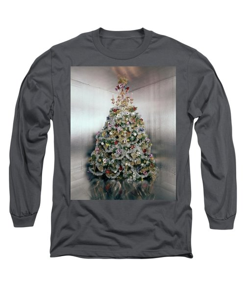 Christmas Tree Decorated By Gloria Vanderbilt Long Sleeve T-Shirt