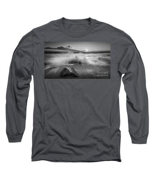 Crashing Waves Bw Long Sleeve T-Shirt