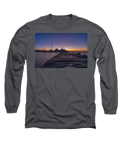 Eastern Point Lighthouse Just Before Sunrise Gloucester Ma Long Sleeve T-Shirt