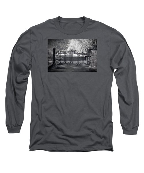 Entry To Salem Willows Long Sleeve T-Shirt by Jeff Folger