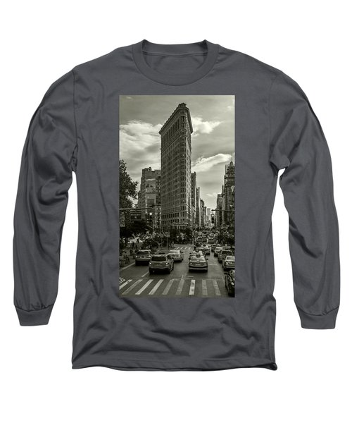 Flatiron Building - Black And White Long Sleeve T-Shirt