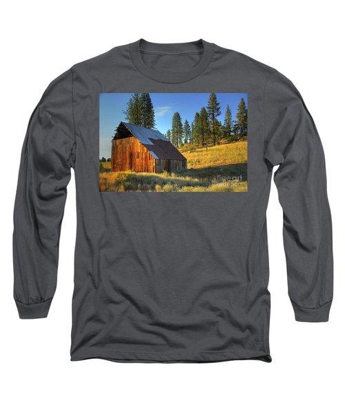 Long Sleeve T-Shirt featuring the photograph Garden Valley Barn by Sam Rosen