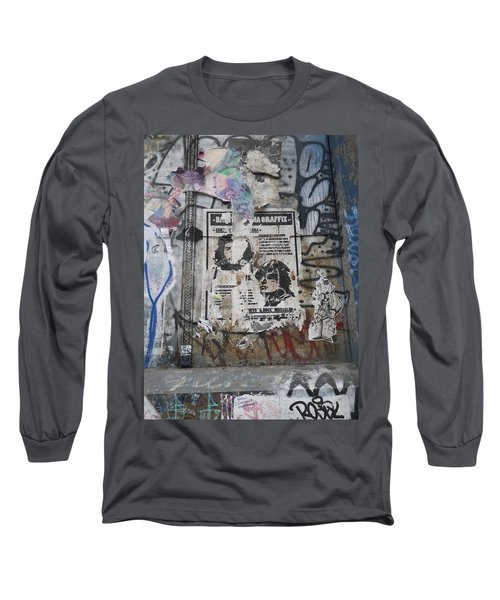 Graffiti In New York City Che Guevara Mussolini  Long Sleeve T-Shirt