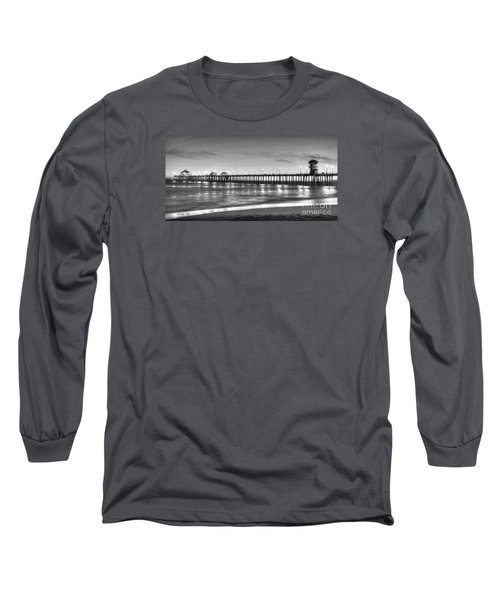 Huntington Beach Pier Twilight - Black And White Long Sleeve T-Shirt