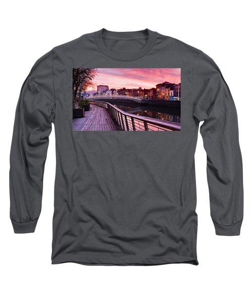 Liffey Boardwalk At Dawn - Dublin Long Sleeve T-Shirt