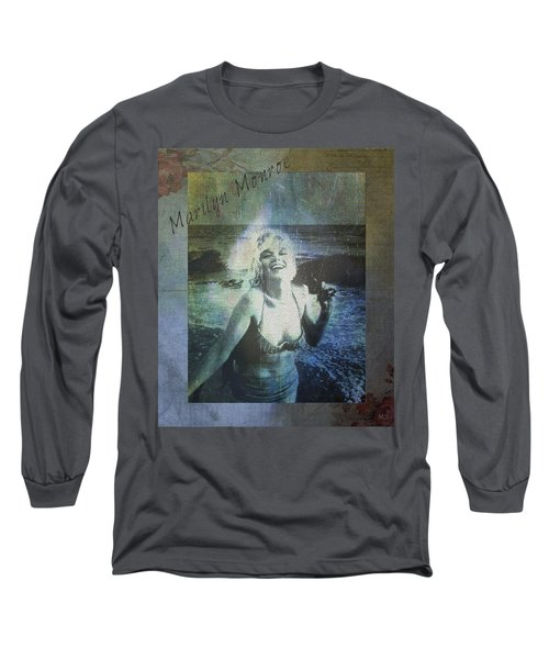 Marilyn Monroe At The Beach Long Sleeve T-Shirt