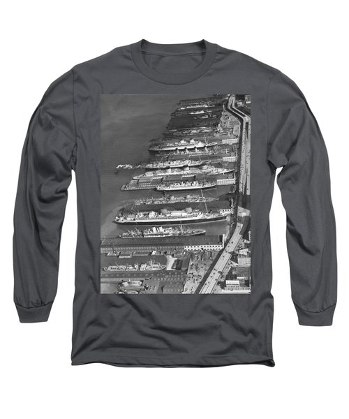 Ocean Liners At Nyc Dock Long Sleeve T-Shirt