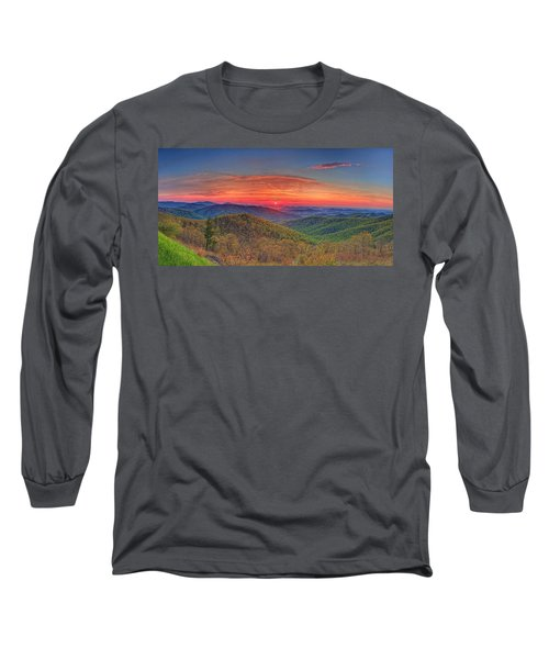Pink Sunrise At Skyline Drive Long Sleeve T-Shirt
