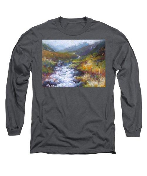 Running Down - Landscape View From Hatcher Pass Long Sleeve T-Shirt