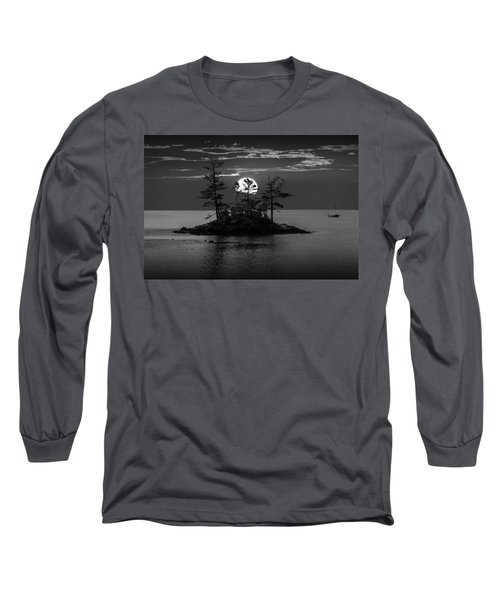 Small Island At Sunset In Black And White Long Sleeve T-Shirt