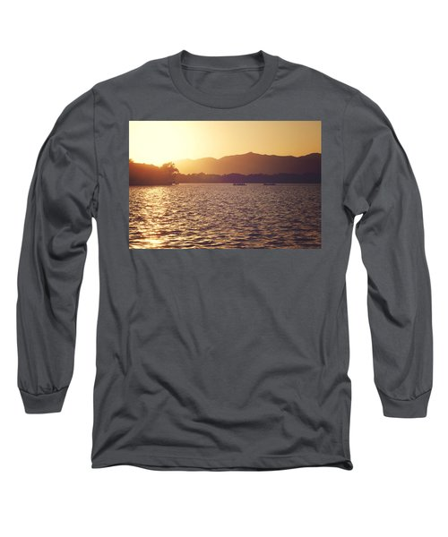 Long Sleeve T-Shirt featuring the photograph Sunset At Summer Palace by Yew Kwang