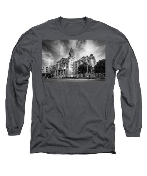 Tarrant County Courthouse Bw Long Sleeve T-Shirt