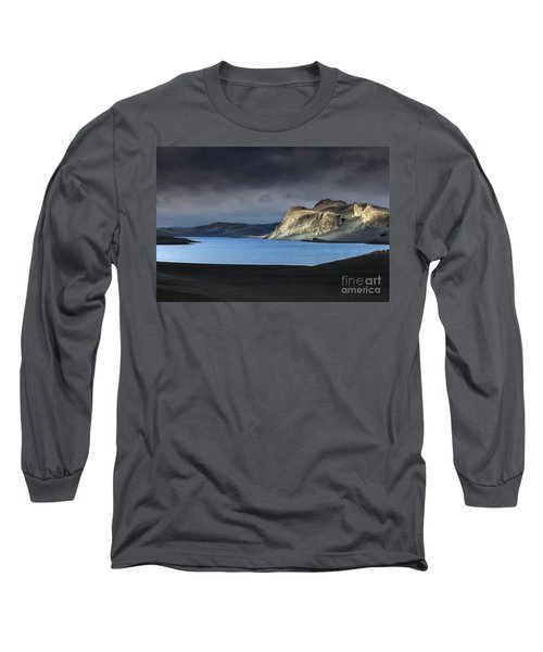 Long Sleeve T-Shirt featuring the photograph The Desert by Gunnar Orn Arnason