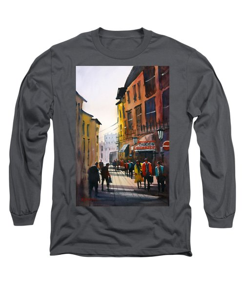 Tourists In Italy Long Sleeve T-Shirt
