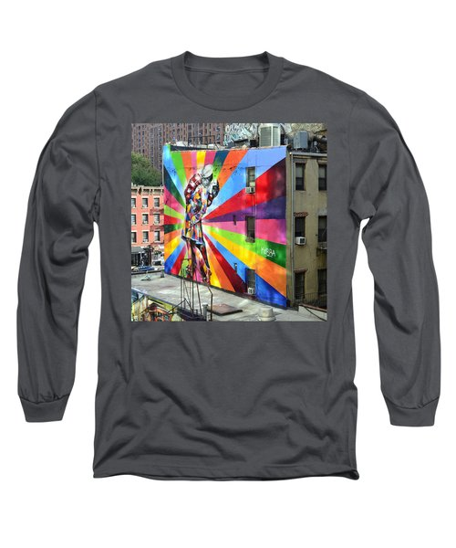V - J Day Mural By Eduardo Kobra Long Sleeve T-Shirt