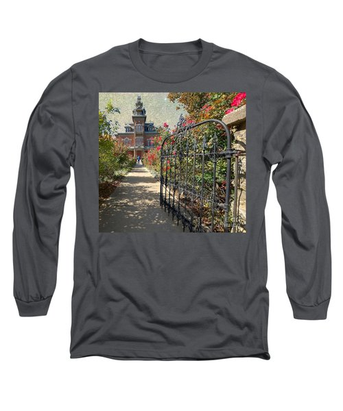 Vaile Landscape And Gate Long Sleeve T-Shirt
