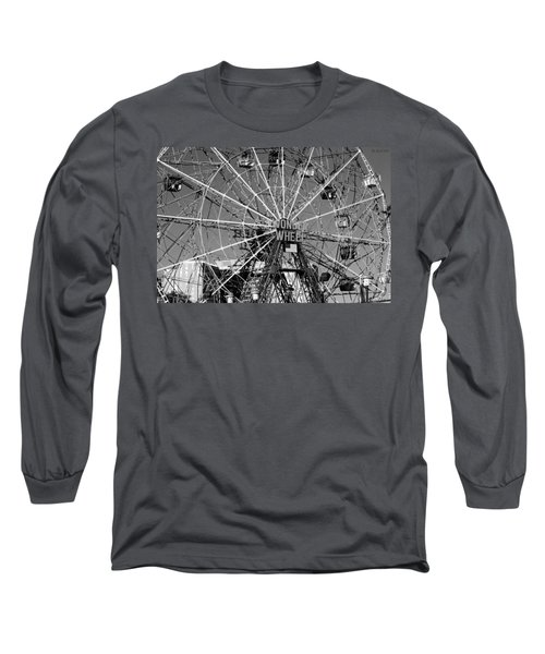 Wonder Wheel Of Coney Island In Black And White Long Sleeve T-Shirt