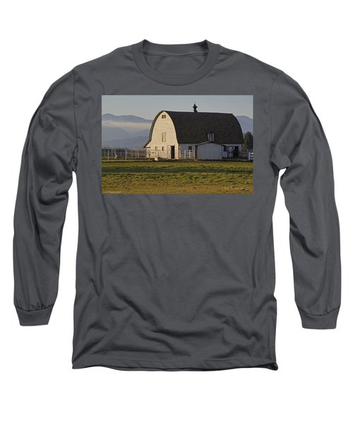 Classic Barn Near Grants Pass Long Sleeve T-Shirt by Mick Anderson