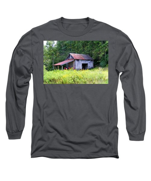 Old Barn Near Silversteen Road Long Sleeve T-Shirt