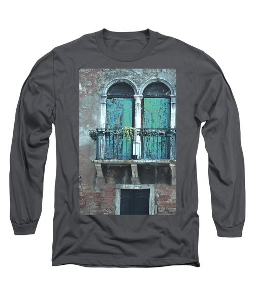 Weathered Venice Porch Long Sleeve T-Shirt