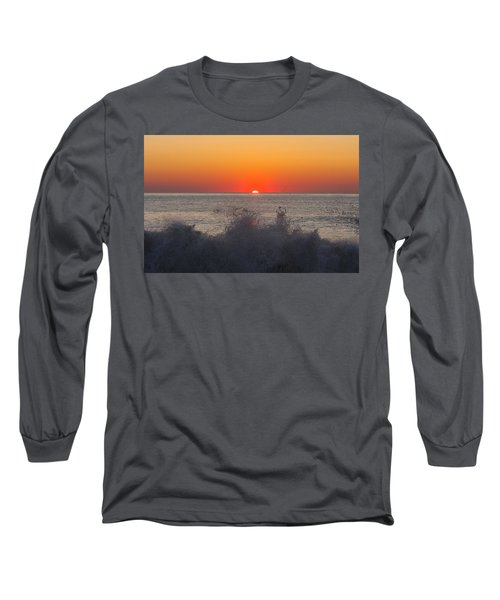 Breaking Wave At Sunrise Long Sleeve T-Shirt