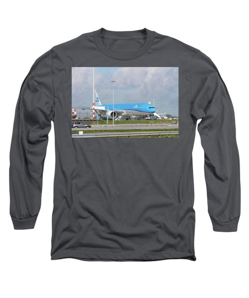 Klm Airplane At Amsterdam Schiphol Airport Long Sleeve T-Shirt by Hans Engbers