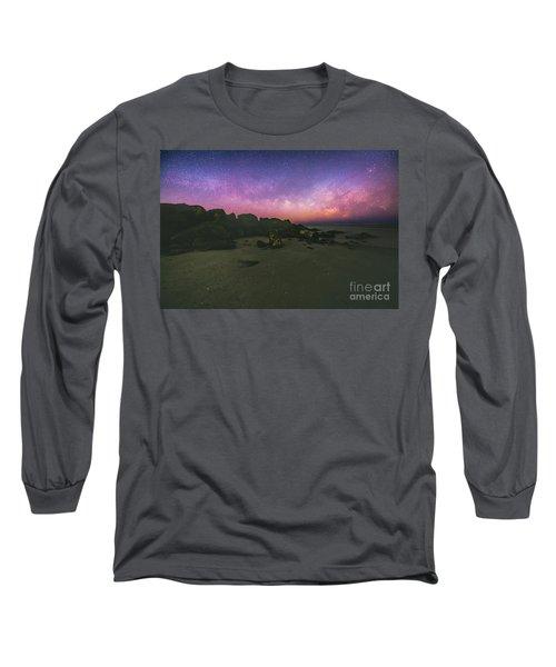 Milky Way Beach Long Sleeve T-Shirt by Robert Loe