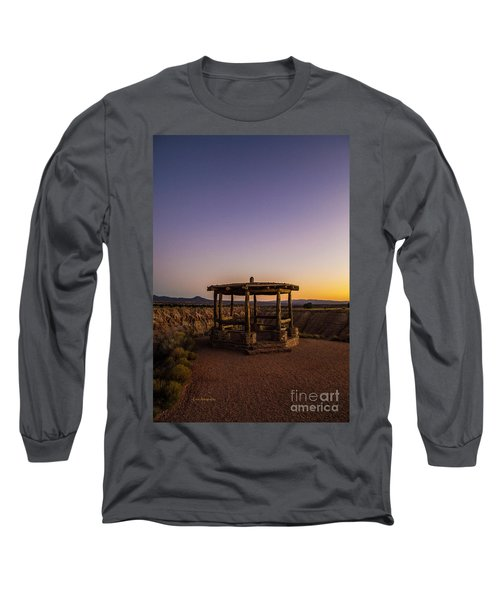 Cathedral Gorge Gazebo Long Sleeve T-Shirt