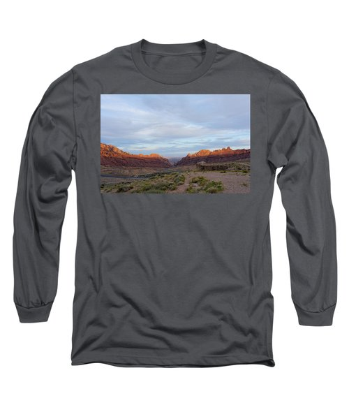 The Castles Near Green River Utah Long Sleeve T-Shirt