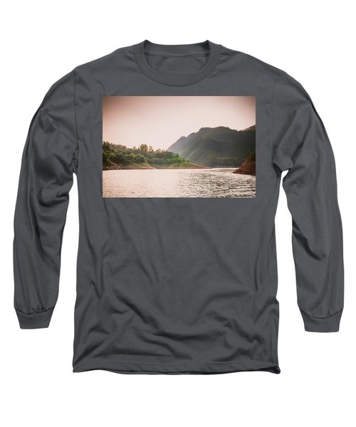 The Mountains And Lake Scenery In Sunset Long Sleeve T-Shirt