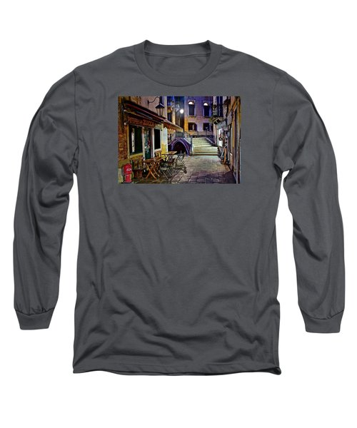 An Evening In Venice Long Sleeve T-Shirt by Frozen in Time Fine Art Photography