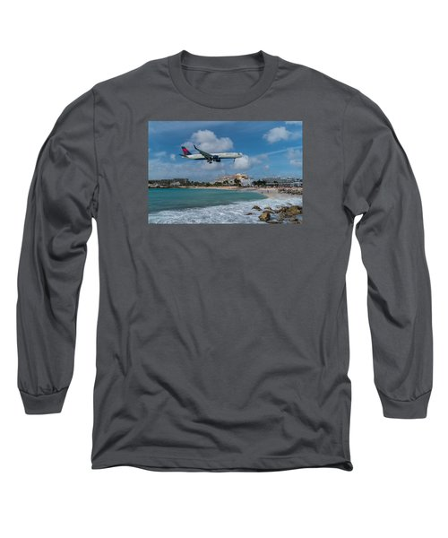 Delta Air Lines Landing At St. Maarten Long Sleeve T-Shirt