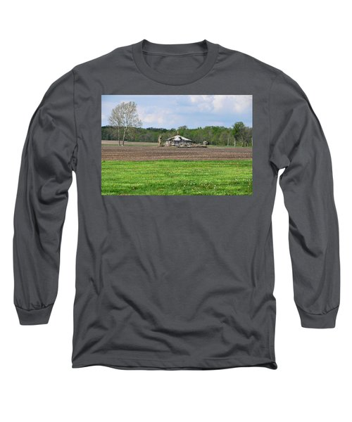 Long Sleeve T-Shirt featuring the photograph Abandoned Farmhouse by John Black