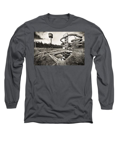 Long Sleeve T-Shirt featuring the photograph Abandoned Swimming Pool - Lost Places by Dirk Ercken
