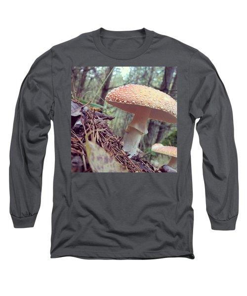 Alle Unter Einem Hut.  #mushrooms Long Sleeve T-Shirt