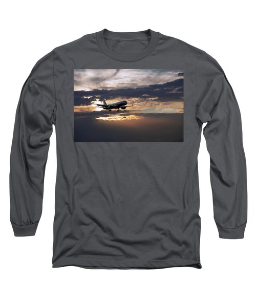 American Aircraft Landing At The Twilight. Miami. Fl. Usa Long Sleeve T-Shirt