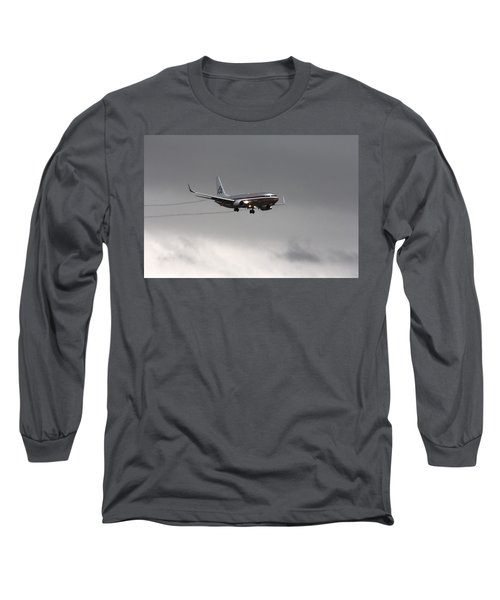American Airlines-landing At Dfw Airport Long Sleeve T-Shirt