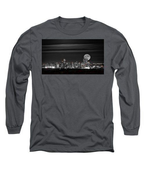 Beaver Moonrise In B And W Long Sleeve T-Shirt by Kristal Kraft