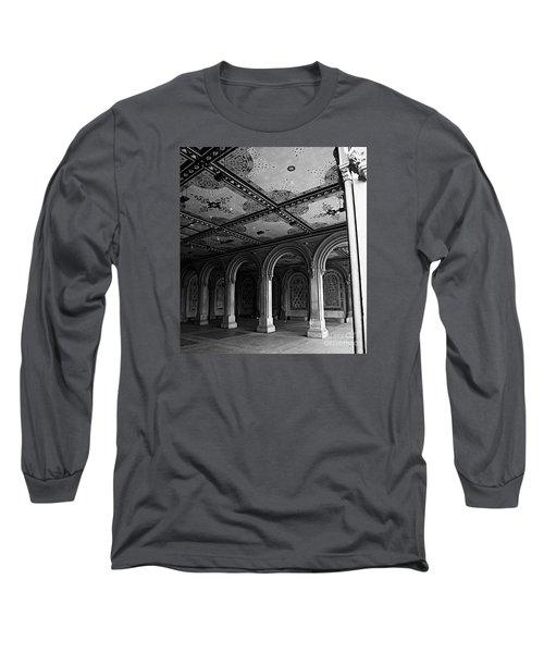 Bethesda Terrace Arcade In Central Park - Bw Long Sleeve T-Shirt