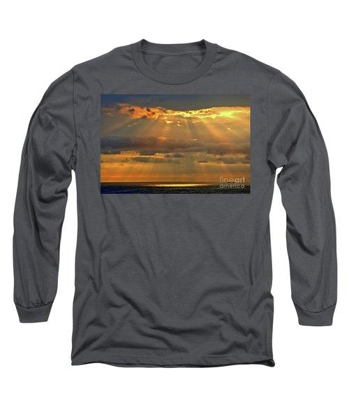 Long Sleeve T-Shirt featuring the photograph Big Island Rays by DJ Florek