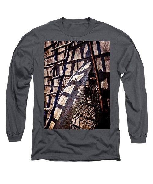 Bird Barn Details Long Sleeve T-Shirt