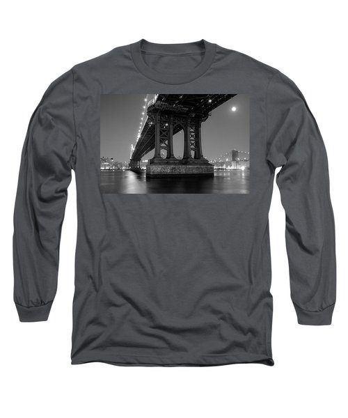 Long Sleeve T-Shirt featuring the photograph Black And White - Manhattan Bridge At Night by Gary Heller