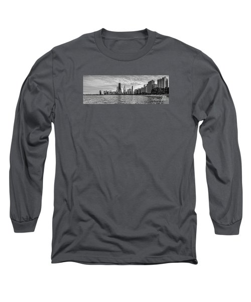 Black And White Panorama Of Chicago From North Avenue Beach Lincoln Park - Chicago Illinois Long Sleeve T-Shirt
