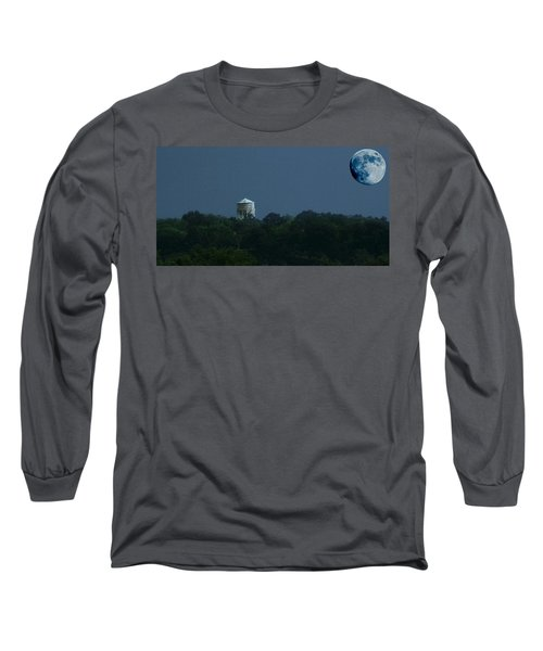 Blue Moon Over Zanesville Water Tower Long Sleeve T-Shirt