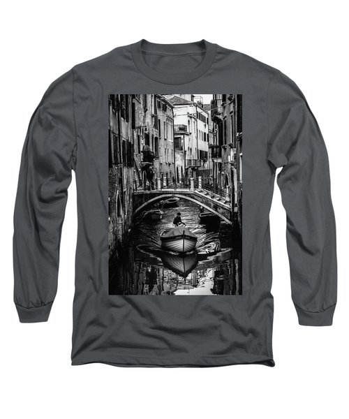 Boat On The River-bw Long Sleeve T-Shirt